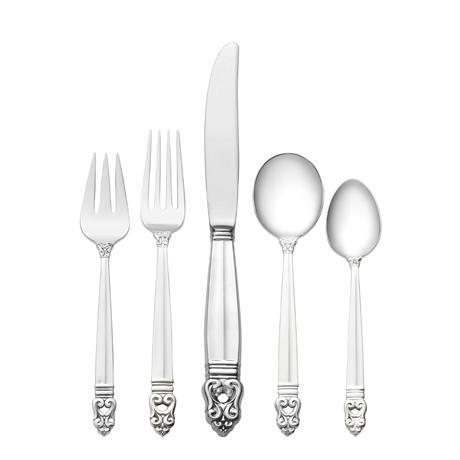 $499.99 5 Piece Place Setting with Cream Soup Spoon