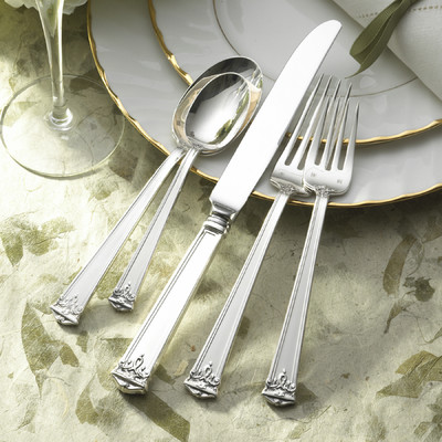 $0.00 Trianon 5 pc Flatwear Set
