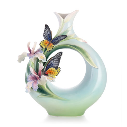 $510.00 Vase, Birdwing Butterfly (LE)
