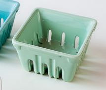 $16.95 Large Ceramic Berry Container ~ Mint