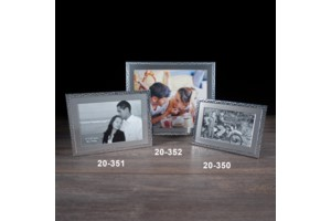 $7.99 Hammered Silver 5x7 Frame