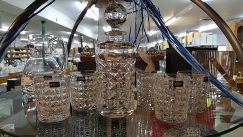 $150.00 Diamond Whiskey Set
